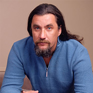 Дмитрий Воеводин <i>Основатель</i>